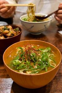 新橋「てんか」蕎麦前で天ぷらをつまみ、最後は絶品カレー南蛮で〆る! - IkukoDays