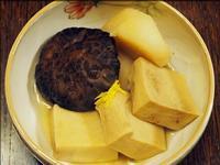 砂里芋(さりいも)を煮る〜昨晩は純和風家庭料理〜 - 人形町からごちそうさま