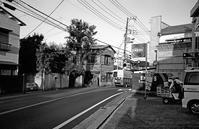 バス通り(その2) - そぞろ歩きの記憶