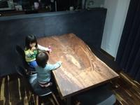 ソノケリンとウォールナット - SOLiD「無垢材セレクトカタログ」/  材木店・製材所:新発田屋(しばたや)