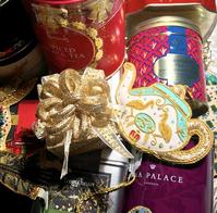 クリスマスティーの到着と不機嫌そうな天使達 - Table & Styling blog
