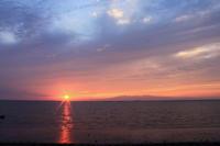 感動的な夕焼け(2)。 - 青い海と空を追いかけて。