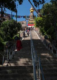 ネパール探訪(1日目:カトマンズのスワヤンブナート仏教寺院) - 写真の散歩道