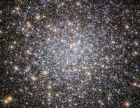 ハッブル宇宙望遠鏡が捉えたへび座の球状星団M5 - 秘密の世界        [The Secret World]