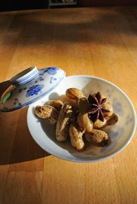 茹で落花生アニス風味 と さつま芋ガレット - グルグルつばめ食堂