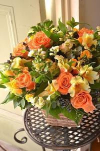 お誕生日に♪イエロー×オレンジmixフラワーアレンジメント。 - 花色~あなたの好きなお花屋さんになりたい~