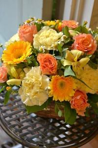 金婚式のお祝いに♪フラワーアレンジメント - 花色~あなたの好きなお花屋さんになりたい~