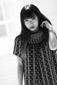 成美ちゃん3 - モノクロポートレート写真館