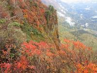 上信越秘境の秋山郷から登る鳥甲山は紅葉真っ盛りMount Kabuto in Jōshin'etsu-kōgen National Park - やっぱり自然が好き