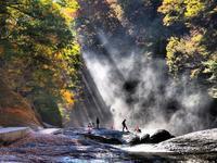 光芒の輝き・・・吹割の滝 - 『私のデジタル写真眼』