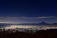 甘利山の夜景 - 風とこだま