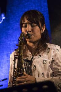 テナーサックス奏者 横原由梨子 - 休日PHOTOブログ