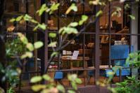 冨士屋 Galleryの青い椅子 - 雲母(KIRA)の舟に乗って