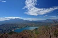 ロープを頼りに登ると富士山&西湖の絶景!~2017年5月 御坂十二が岳 - 殿様な山歩き