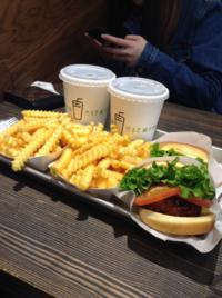 ハンバーガーショップ『shake shack』 - アンニョン! ハーモニーマート 明洞 ブログ★