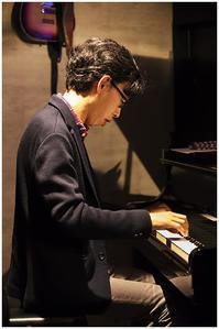 ピアノ奏者 牧哲也 - 休日PHOTOブログ