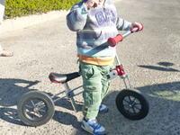 X-ZONEX-miniプッシュバイク(※乗用玩具)試乗 - 服部産業株式会社のブログ