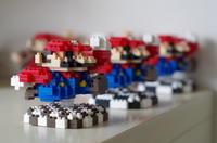 amiiboのドットマリオをダイソーのプチブロックで作る その3 - ( どーもボキです > Z_ ̄∂