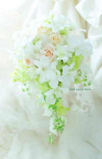 セミキャスケードブーケセルリアンタワー東急ホテル様へ、蘭ローラで優しいブーケを - 一会 ウエディングの花
