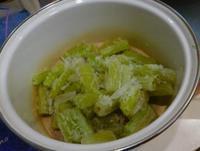失敗フキ冷凍とサツマイモおやつ - うまこの天袋