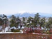 2017.11/22岩木山と弘前公園の雪景色 - 弘前感交劇場
