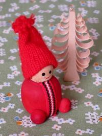 小さな木製トントゥ人形 -  Der Liebling ~蚤の市フリークの雑貨手帖2冊目~
