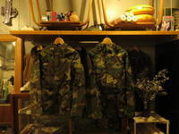 """""""DEAD STOCK US ARMY GEN1 WOODLAND GORE-TEX PARKA""""ってこんなこと。 - THE THREE ROBBERS ってこんなこと。"""