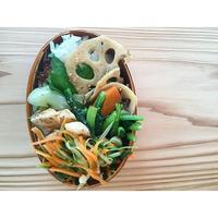 セロリと人参と豆苗のガーリック金平BENTO - Feeling Cuisine.com
