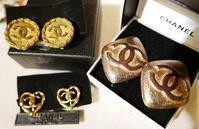 CHANEL earring - carboots
