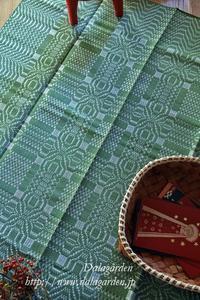 クルビッツ模様のダーラナ地方の織物クリスマスカラー - ska vi fika?