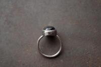 オニキスリング - 石と銀の装身具