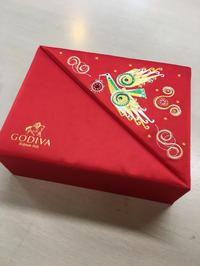 本日の「素敵だCOLOR」は、煌びやかなクリスマスパッケージ - 色彩コンサルタント 松本千早のブログ REAL COLOR DREAM