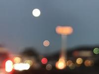 初冬の夕暮れ時「まるでETのようにまんまるお月さんに向かって走ります・・・」編 - 納屋Cafe 岡山