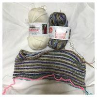 スリーパー:エブリデイ(2)ボーダー部分はあと半分 - よなよな編み物