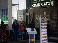 Buying Xmas gifts for our kids in BGC ~ at Kimukatsu - SONGS