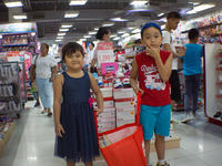 Buying Xmas gifts for our kids in BGC ~ in the Market! Market! - SONGS