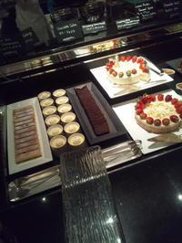 ウェスティンホテル東京ザ・テラスクリスマスマロン・デザートブッフェ - C&B ~ケーキバイキング&ベーグルな日々~
