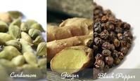 ブレンドに役立つスパイス系の精油3種類 - tecoloてころのブログ