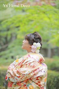 明るい色合いの色打掛にあわせるボールブーケとヘッドドレス - Ys Floral Deco Blog
