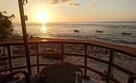 Kelly's Warung でサンセット鑑賞 @ Bingin Beach ('17年9月) - 道楽のススメ