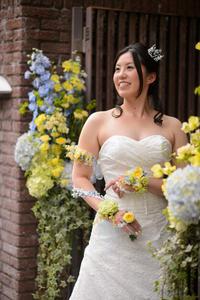 新郎新婦様からのメール 12月、太陽と青空の装花 アンカシェットの花嫁様から - 一会 ウエディングの花