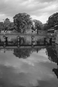 橋を渡る人 - La La La Last Song Photo Blog