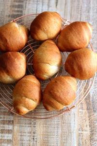 小麦胚芽入りロールパン - Takacoco Kitchen