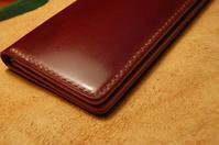 ロングウォレット コードバン スクエアシルエット素材事情とか - stovl leather log