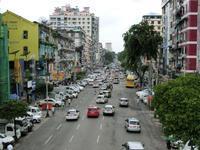 バイクのない街・ヤンゴンの道路交通事情 - イ課長ブログ