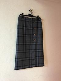 脇ボタンタイトスカート - むらさきのいと