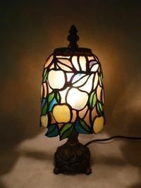 梨のランプ - atelier GLADYS  ステンドグラス工房 作り手の日々