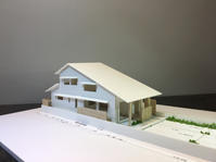 """~らくらく階段の生活を楽しむ~""""家族の暮らしを包む大屋根の家"""" の模型をホームページに記載しました - 西薗守の""""子育て"""""""