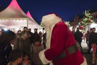 赤レンガ倉庫のクリスマスマーケットにサンタが来た! - エーデルワイスPhoto