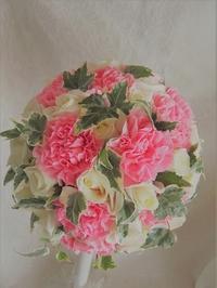ホワイト&ピンクのモコモコこんもりまん丸ブーケ♪ - デイジーのひとりごと